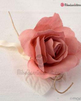 Flor de Lino Rosa con 2 bombones