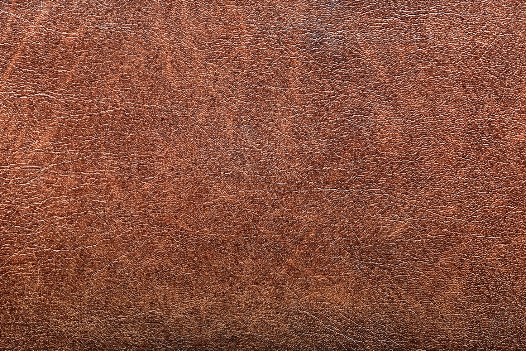 Comment nettoyer une tache sur un canap en cuir