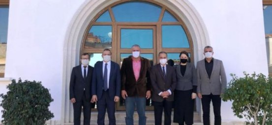 Μέλη του Διοικητικού Συμβουλίου East East επισκέφτηκαν τον δήμαρχο του Esentepe Cemal Erdoğan