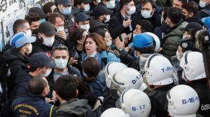 4 ακόμη άτομα που συμμετείχαν στις διαμαρτυρίες εκείνων που διαμαρτύρονταν για το διορισμό του πρύτανη στο Πανεπιστήμιο Boğaziçi στο Kadıköy συνελήφθησαν