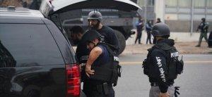 1 άτομο σκοτώθηκε, 1 αστυνομικός τραυματίστηκε σε γυμνάσιο γυρίσματα στις ΗΠΑ