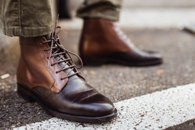 Qüero uses Augmented Reality to size your foot for custom leather shoes