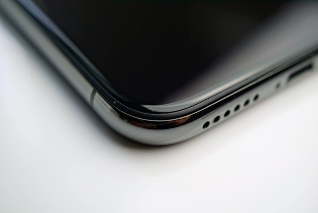 Close Up Photos Of The Space Gray Iphone X Deteched