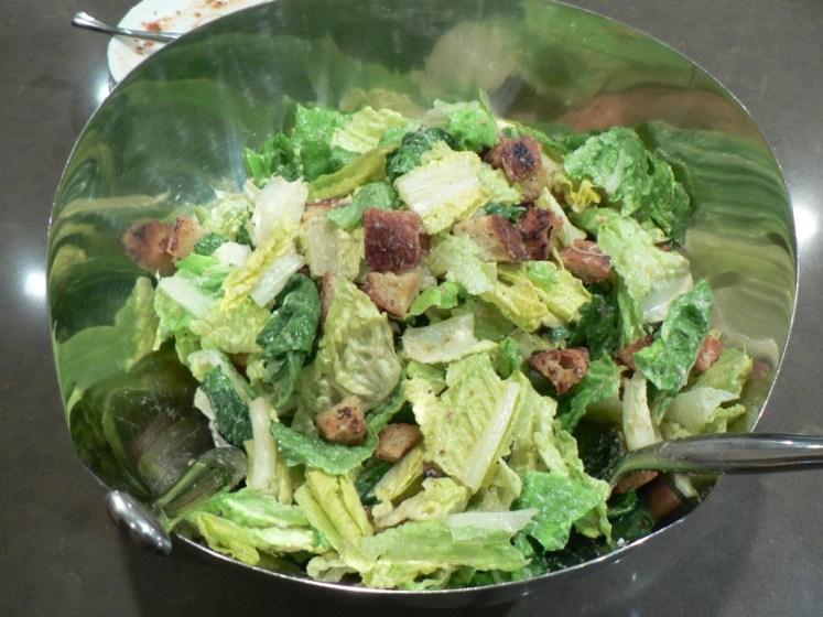 Carne con ensalada, menú saludable para navidad
