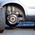 5 pasos para cambiar un neumático pinchado