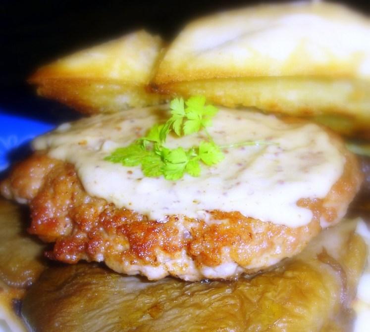 Hamburguesas de pollo con salsa de manteca y limón