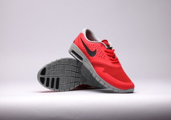 Nike-Eric-Koston-2-Max-lt-crimson-black-base-grey_b4