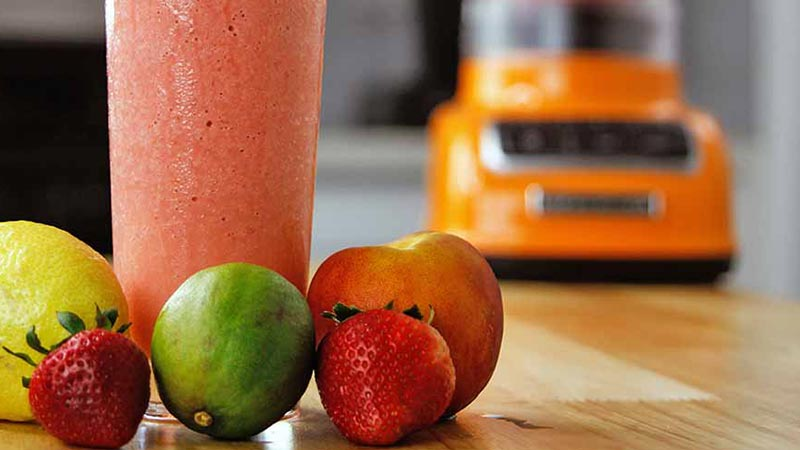 to-blend-or-not-to-blend-are-smoothies-healthy-www.detoxandcure.com_