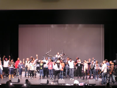 Kierra Sheard and BRL rehearse before the Live Recording