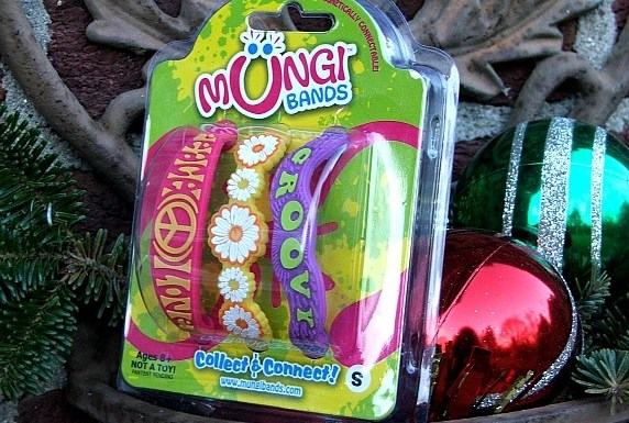 Mungi Bands – the Fun New Jewelry for Kids.  *Review and Giveaway*