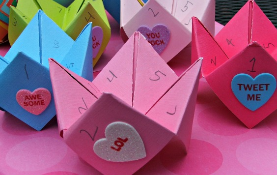 Valentine's Day Cootie Catcher Cards – Tutorial