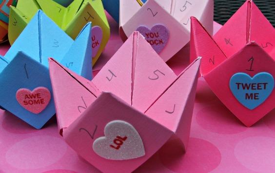 Valentine's Day Cootie Catcher Cards – Tutorial