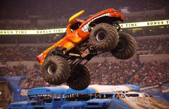 Discount + Giveaway to Monster Jam 2014
