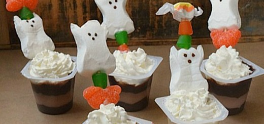 Halloween Inspired Snack Pack pudding cups. #MixInMonsterMash