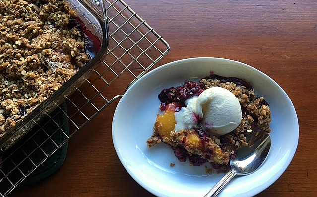 Classic Peach and Blueberry Crsip