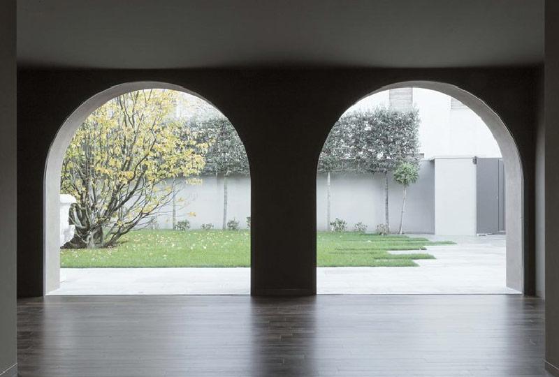Casa Donella, archi vetrati