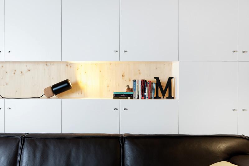 lampada da tavolo LED orientabile