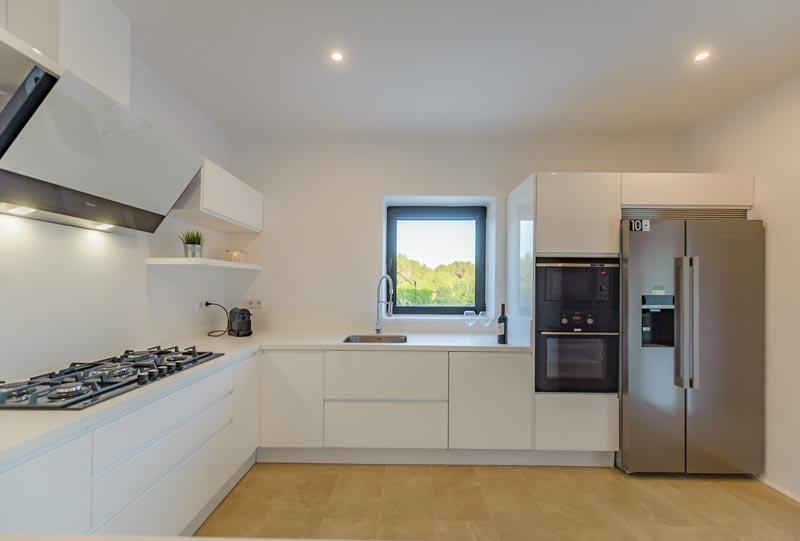 cucina moderna disposta ad angolo