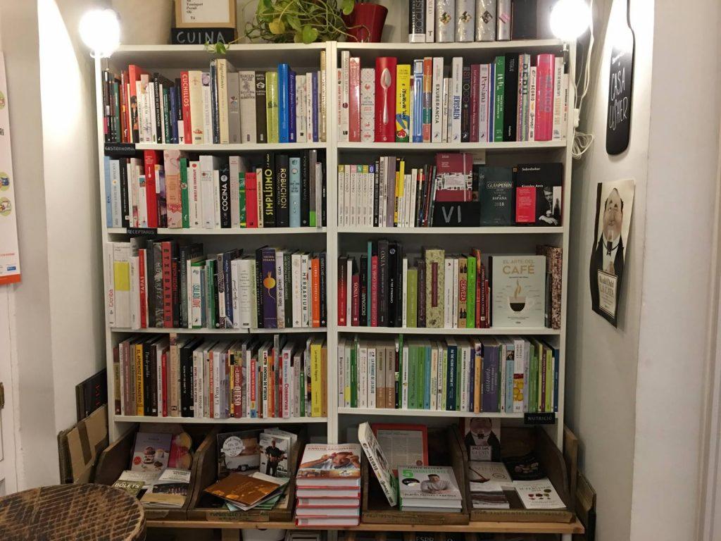 Una llibreria amb personalitat la Casa Usher  deulondercom