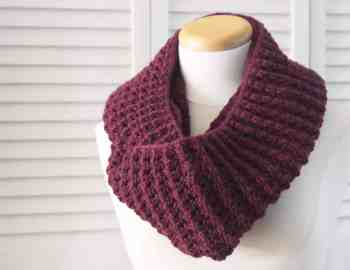 Knitting Pattern Infinity Puffy Scarf 3