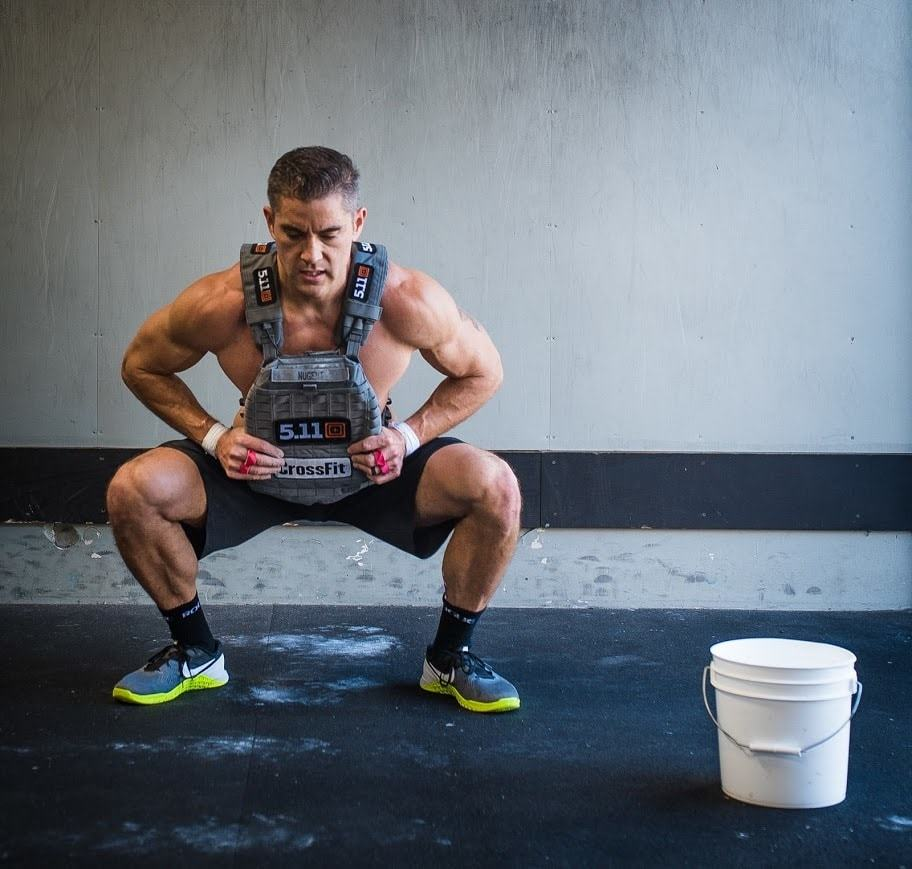 Info on the best fat burning exercises at home with this article. Learn how to develop a fat burning workout plan for men.