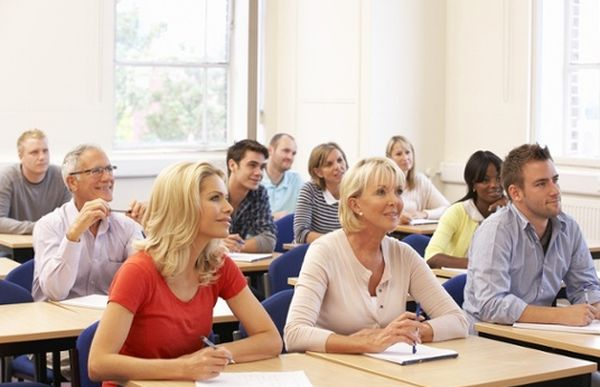 students adult scholorships for