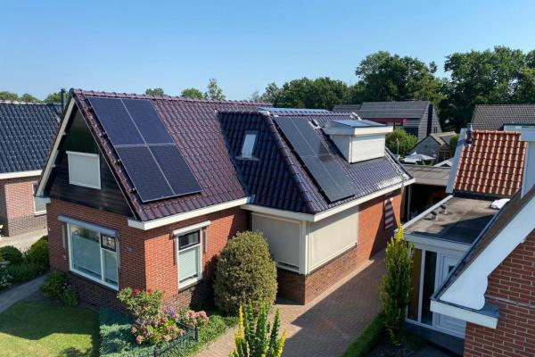 Zonnepanelen-installatie-augustus-2020-familie-van-der-hoek