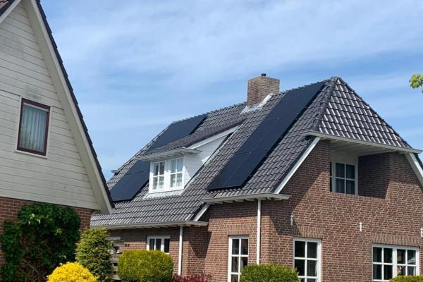 Zonnepanelen-installatie-mei-Nijboer-Surhuisterveen