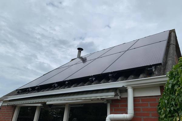 zonnepanelen_installatie_juni_2_2019_Oedzes_Garijp