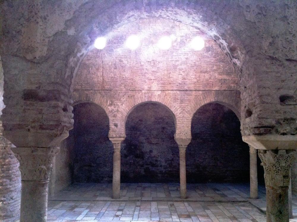 Baños árabes de El Bañuela en Granada