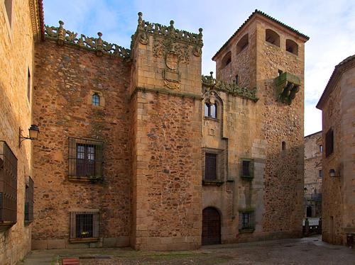 Palacio de los Golfines de Abajo, Cáceres