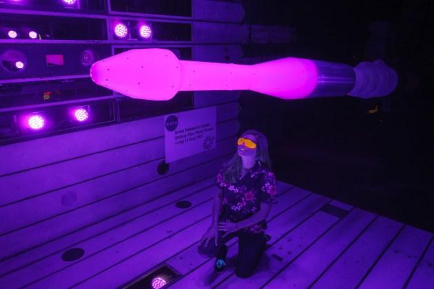 NASA pinta modelos de foguetes de rosa choque… em nome da ciência!