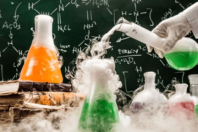 O que fazer na falta de um experimento aleatório controlado?