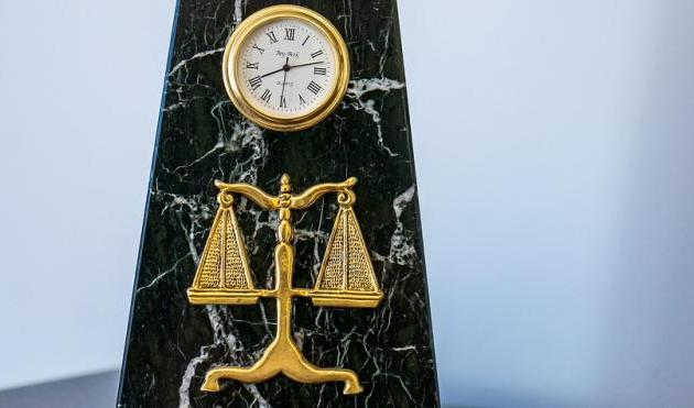 O direito na viagem no tempo