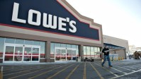 Lowe's profits prime Expectations In Q3
