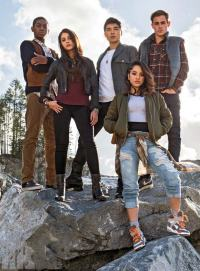 Might Morphin Power Rangers Assemble In New Pic Showing Five New Members