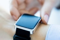 Can the smartwatch market recover from big declines?