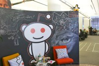 Reddit turns off access to its main source code