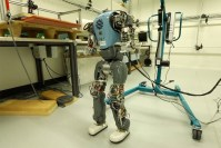 Robots learn to walk naturally by understanding their bodies