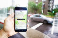 Uber decides against leaving Quebec over tough ridesharing rules