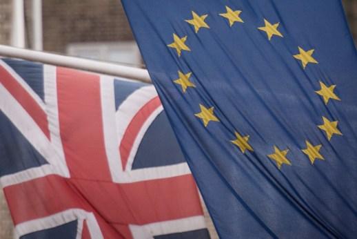 EU confirms UK will lose Netflix 'portability' following Brexit | DeviceDaily.com
