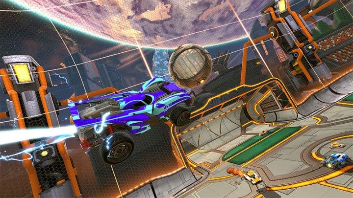 rocket league: battle-car in volo per un'azione d'attacco complicata