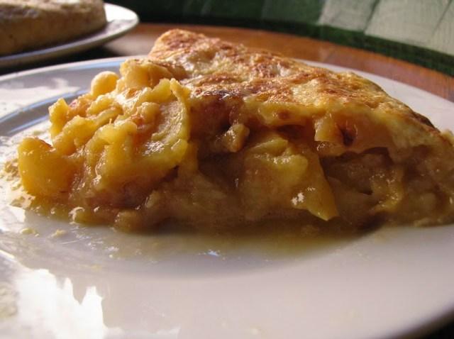 Pincho de tortilla en Bodega de La Ardosa. Fuente [en línea]: Traveler
