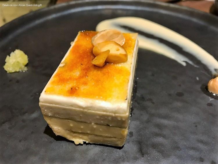 Mil hojas de queso y foie. Copyright: www.devinosconalicia.com