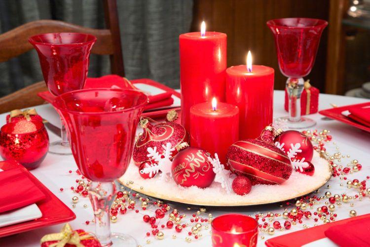 Decoración de una mesa navideña. Copyright: Hogarmanía