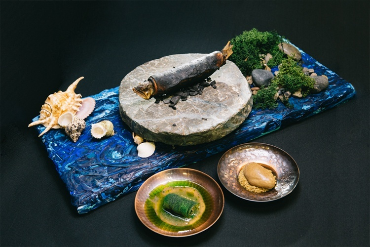 Across the sea, plato ganador elaborado por Yasuhiro Fujio. Copyright: S. Pellegrino Young Chef.