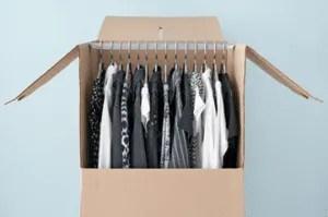 Emballage vêtements déménagement