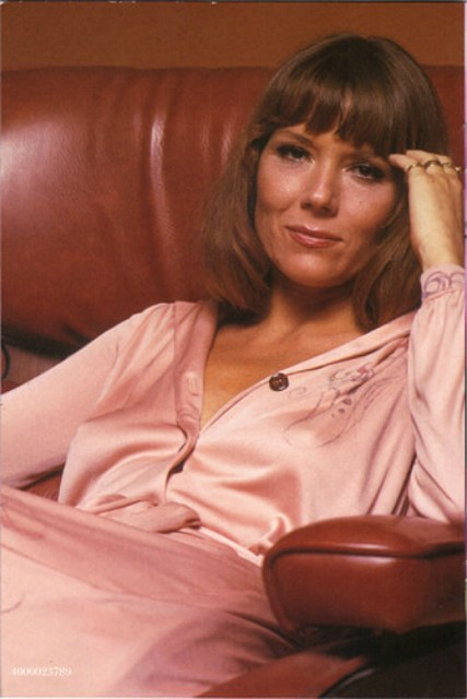 Diana-Rigg-Lady-in-Pink-diana-rigg-25449346-520-778
