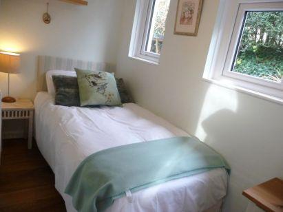 Palm Leas Single Bedroom