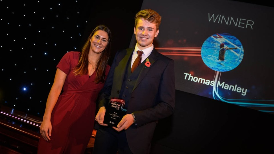 Thomas Manley wins national waterpolo award